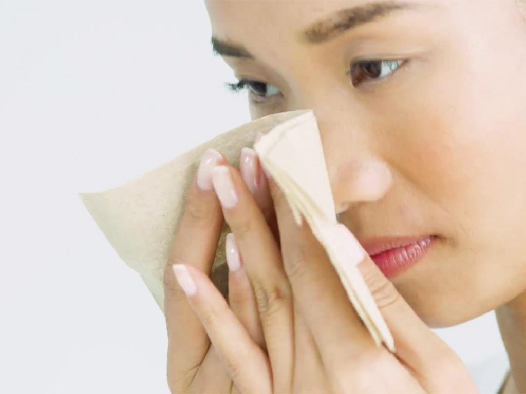 solusi untuk wajah berminyak agar terhindar dari masalah jerawat